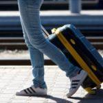 新幹線の荷物の置き場所!大きいスーツケースを置くコツと注意点!