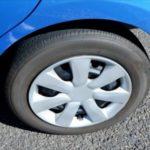 車のタイヤがパンクしたか確認方法!走行中の症状の見分け方!