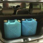 車に灯油をこぼした時の対処法!臭い消し方法とこぼさない対策!
