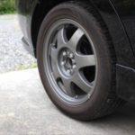 車のタイヤがパンクした時の対処法!走行するのがダメな理由!