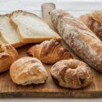 パンは腐るとどうなる?食べれない?日持ちさせる保存方法!